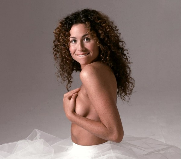 Minnie Driver, topless hand bra