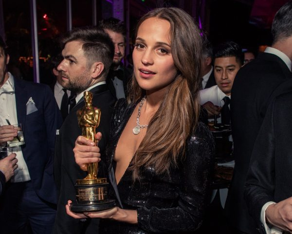 Alicia Vikander-oscar-party-2016-ss41